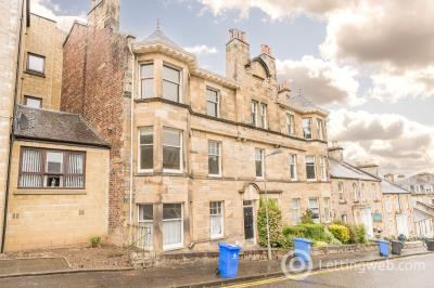 Property to rent in 18C Princes Street, Stirling, FK8