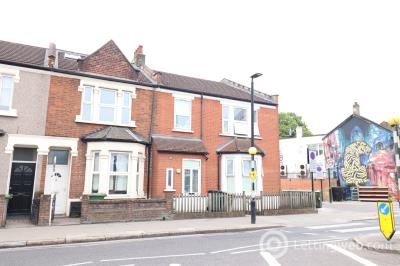 Property to rent in Plaistow Road, Stratford, London E15