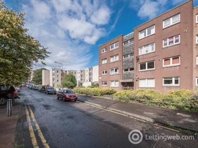 Property to rent in Gordon Street, Edinburgh EH6
