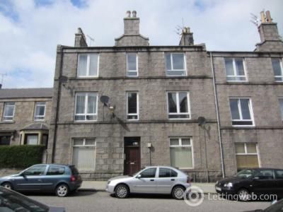 Property to rent in Pittodrie Place, First Floor Left, AB24