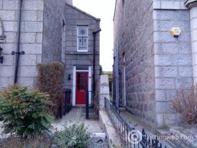 Property to rent in Hamilton Place, Aberdeen, AB15