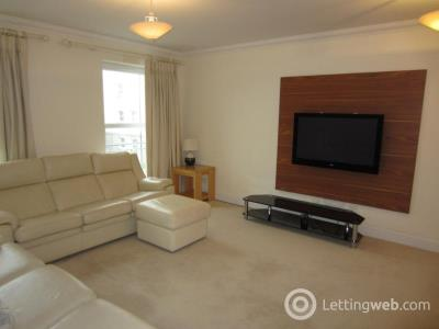 Property to rent in South College Street, Aberdeen, AB11