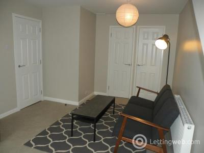 Property to rent in Union Grove Court, Top floor flat, AB10