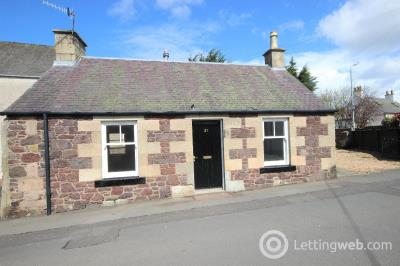 Property to rent in North Back Road, Biggar