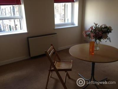 Property to rent in West Newington Place