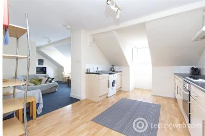 Property to rent in Crighton Place, Leith, Edinburgh, EH7