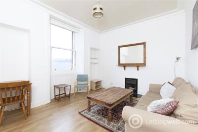 Property to rent in Cheyne Street, Comely Bank, Edinburgh, EH4