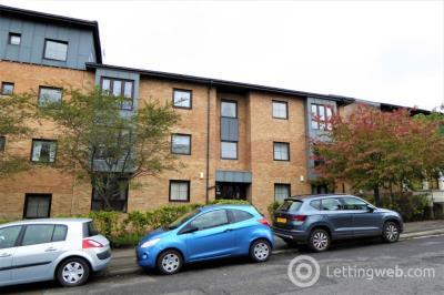 Property to rent in 3 Westercraigs Court, Dennistoun, Glasgow G31 2EG