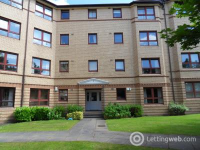 Property to rent in Grovepark Gardens