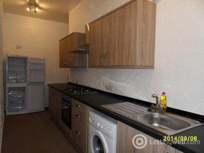Property to rent in Roebank Street