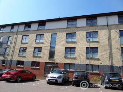 Property to rent in Manresa Place