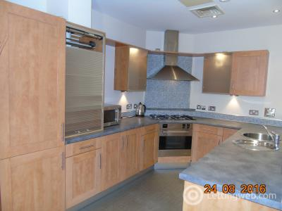 Property to rent in Howard Street
