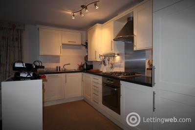 Property to rent in Newhaven Place
