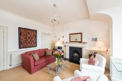 Property to rent in Northumberland Place