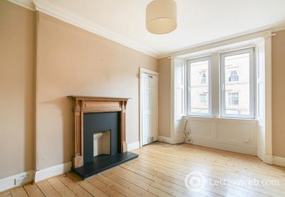 Property to rent in Ritchie Place