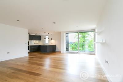 Property to rent in Woodcroft Road