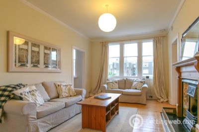 Property to rent in Learmonth Avenue, Comely Bank, Edinburgh, EH4 1DG