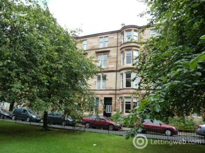Property to rent in Woodlands Drive 9 flat 2/1