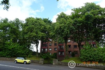 Property to rent in flat 8D at 33 Cleveden Drive