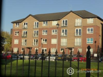 Property to rent in Ferry Road flat 2/2 at 60