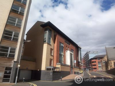 Property to rent in flat 3 at 22 Partick Bridge Street