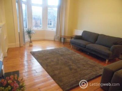 Property to rent in Flat 3/1 at 8 Caird Drive