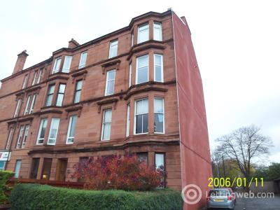 Property to rent in Flat 2/2 at 3 Churchill Drive