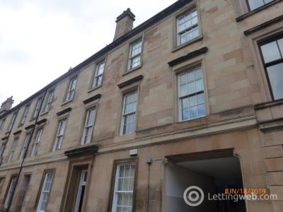 Property to rent in Fortrose street 9 flat 2/1