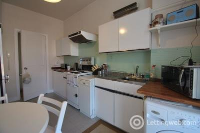 Property to rent in Mannering Court, Shawlands, GLASGOW, Lanarkshire, G41