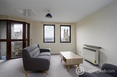 Property to rent in Castlehill, Edinburgh