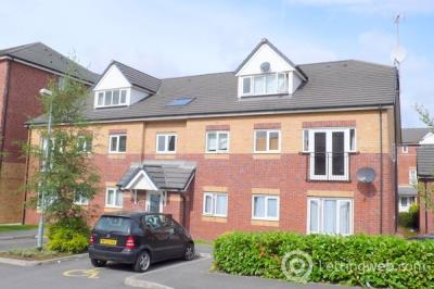 Property to rent in Martingale Court, Manchester