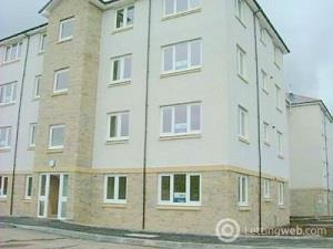 Property to rent in Broomhill Court
