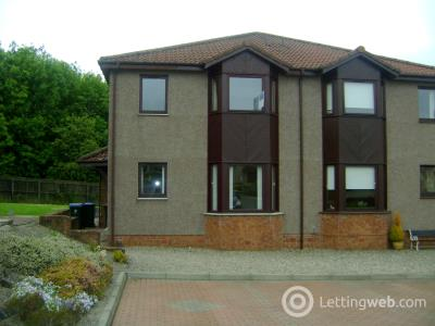 Property to rent in Robertson Road
