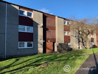 Property to rent in Potterhill Gardens