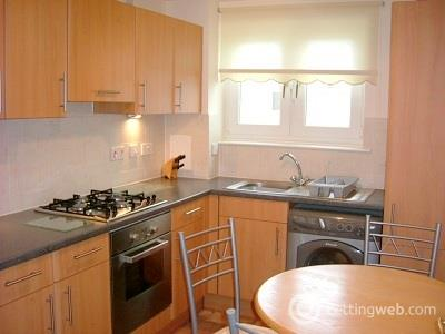 Property to rent in 21 Broomhill Court