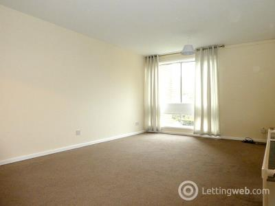 Property to rent in 29 F Hayfield