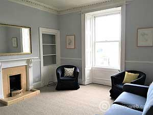 Property to rent in 79 (1f2) Henderson Row