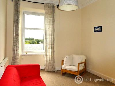 Property to rent in 12/9 Broughton Road