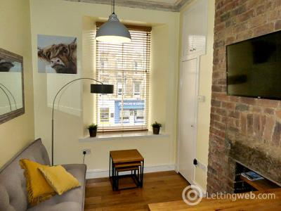 Property to rent in 242 (1f6) Leith Walk