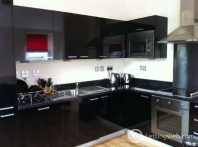 Property to rent in Hutcheson Street, City Centre