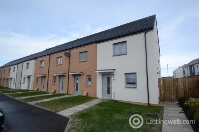 Property to rent in Huntley Crescent, Raploch