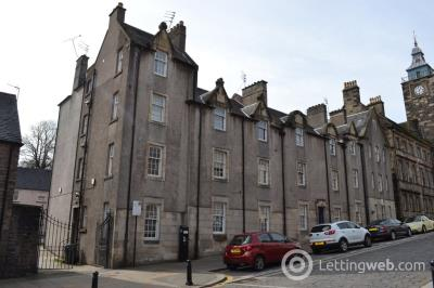 Property to rent in Broad Street, Stirling