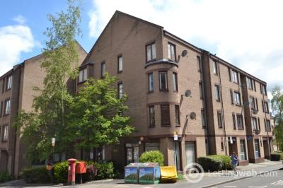 Property to rent in 45 (4) Upper Craigs, Stirling