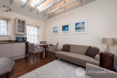 Property to rent in High Street, Edinburgh
