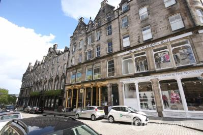Property to rent in St Giles Street, Edinburgh