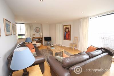 Property to rent in East London Street, Edinburgh