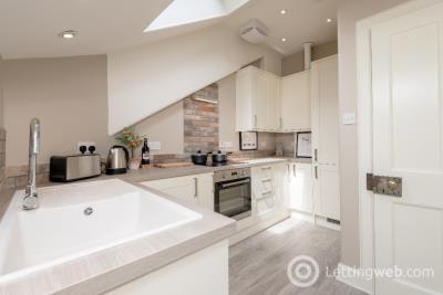 Property to rent in Gloucester Square, Stockbridge, Edinburgh, EH3 6EB