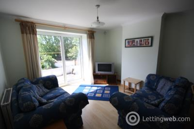 Property to rent in Balmoral Road