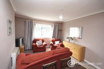 Property to rent in Rosemount Square, Rosemount, Aberdeen, AB25 2UA