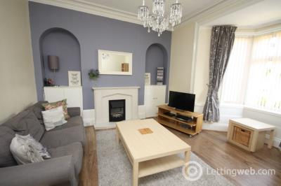 Property to rent in Rosemount Place, Aberdeen, AB25 2XD